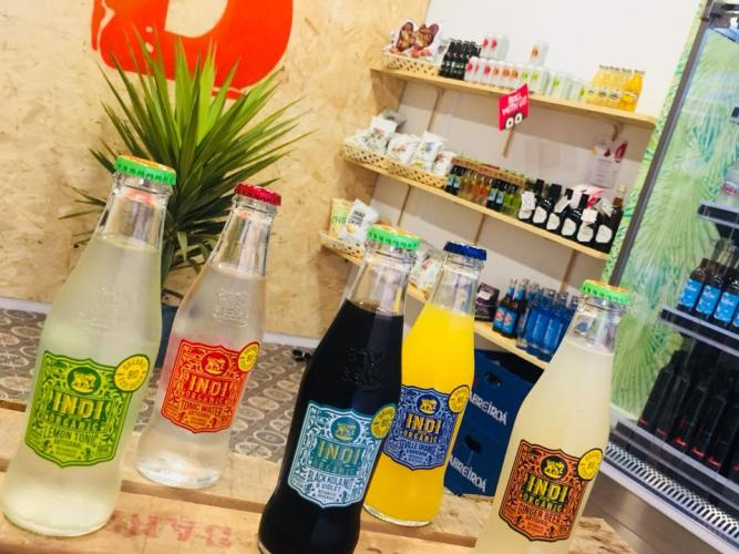 DRINKS & CO. Begudes i snacks naturals