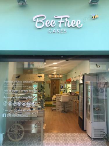 BEE FREE Cakes